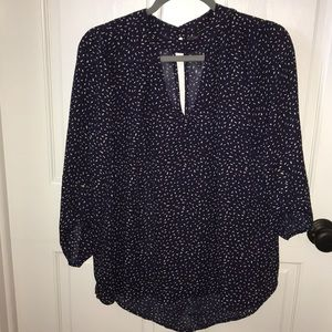Staccato size medium keyhole top
